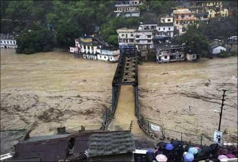 Banjir Kilat Menakutkan Di India ( 10 Gambar )