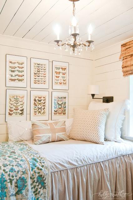 Mixing Patterns - #homedecor #designing #fabric #patterns