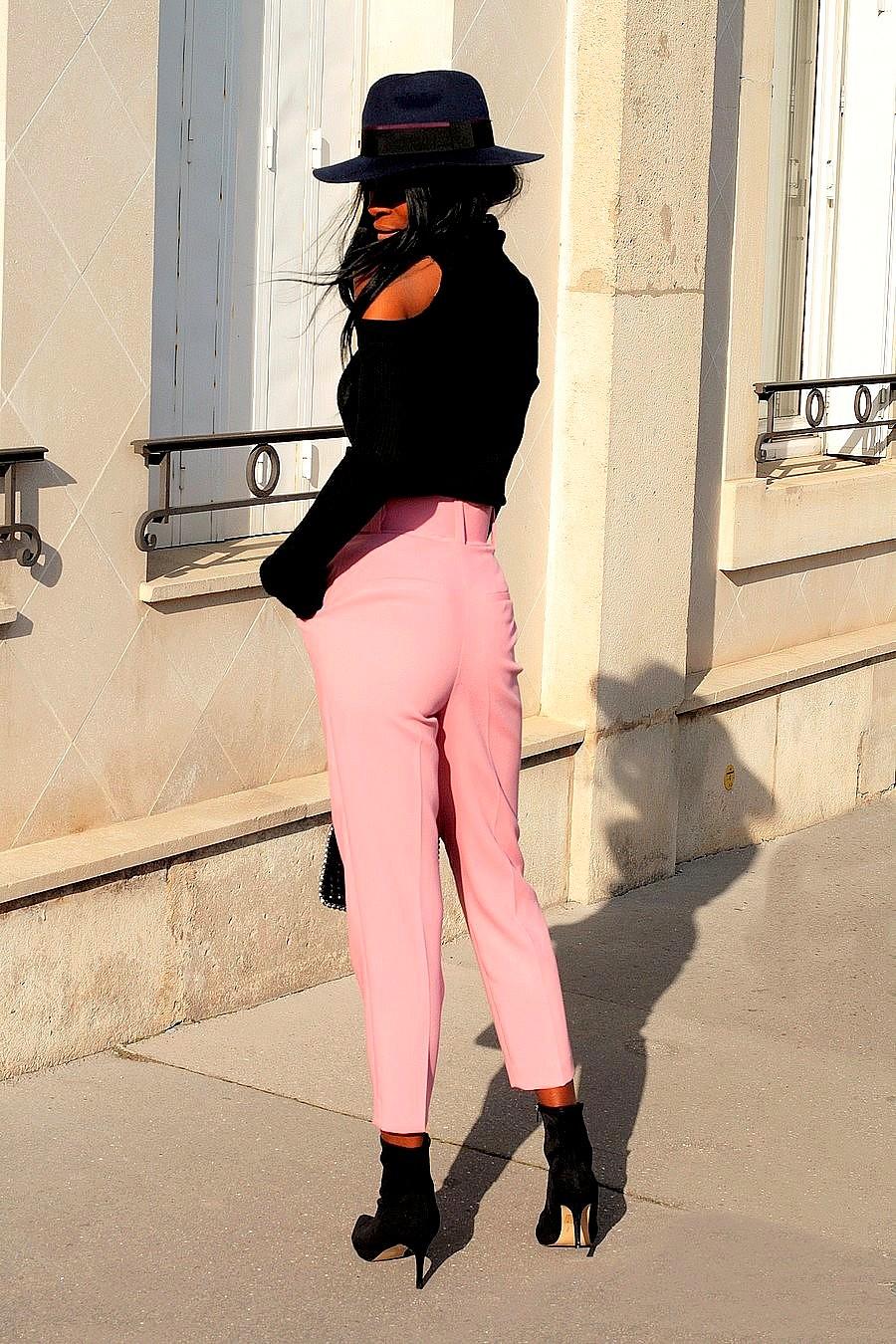 idee-look-chic-avec-pantalon-rose-zara