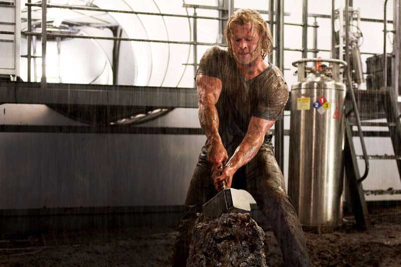 Chris Hemsworth Thor Workout Routine & Diet Plan