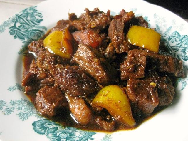 Hukum Membagikan Daging Qurban Setelah Dimasak