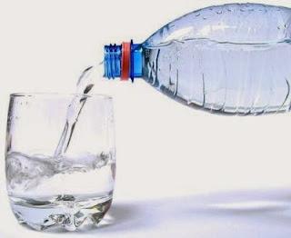 Minum Air Putih Berlebihan
