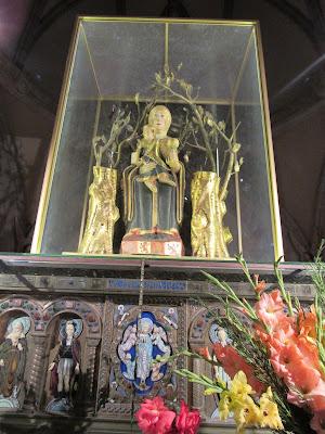 Talla románica de la Virgen de Valvanera. En el monasterio de Valvanera. Anguiano