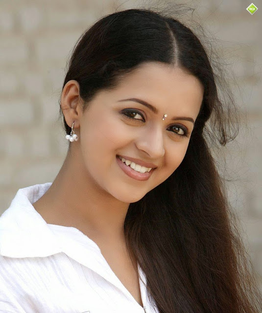 hot malayalam actress bhavana stills