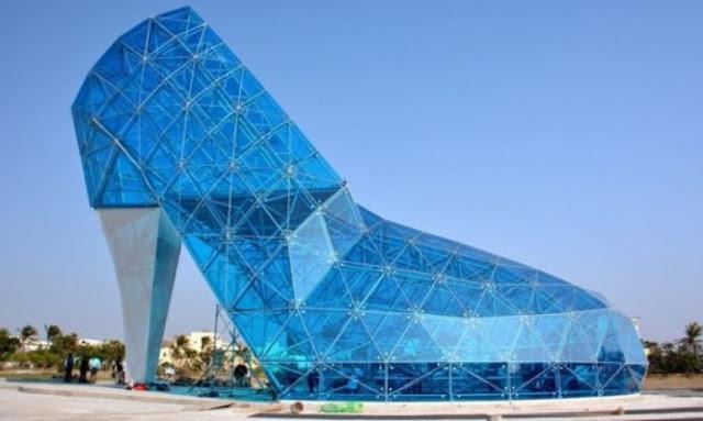 Δείτε την πιο απίστευτη εκκλησία του κοσμου – Είναι γυάλινη και σε σχήμα γόβας!