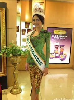Baju Kebaya Hijau Intan Anne Avantie Miss Internasional