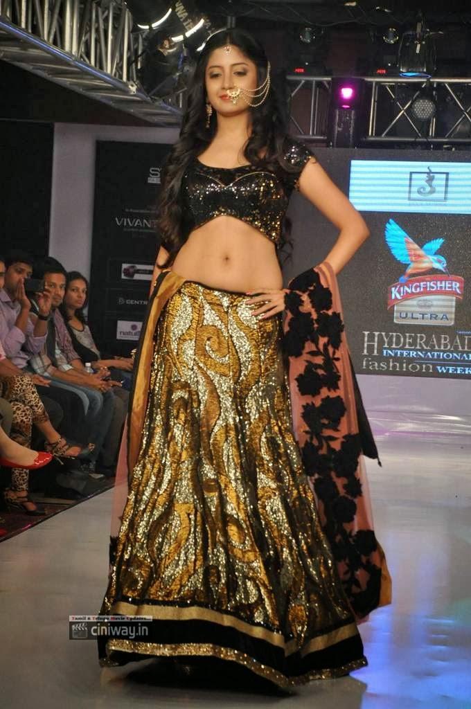 Poonam Kaur hot on ramp in lehanga