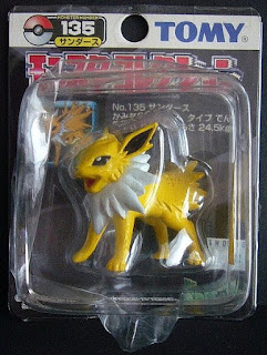 Jolteon Pokemon figure Tomy Monster Collection black package series