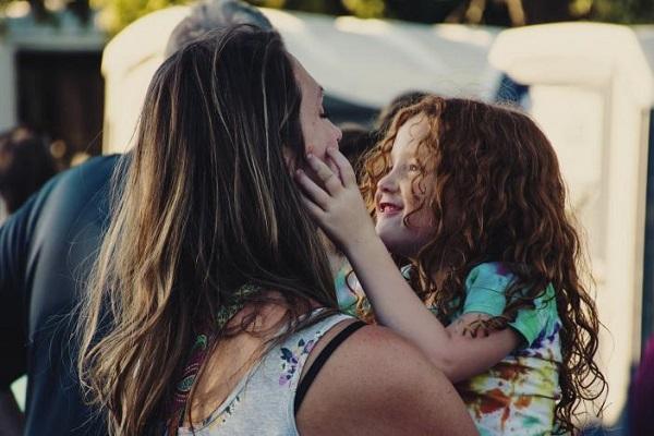 Ο σεβασμός προς τον γονιό είναι τιμή για τον ίδιο και αποτελεί ηθική αξία