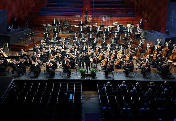 The new chief conductor Klaus Mäkelä conducted the full orchestra. opening of 2020/21 season of the Oslo Philharmonic Orchestra
