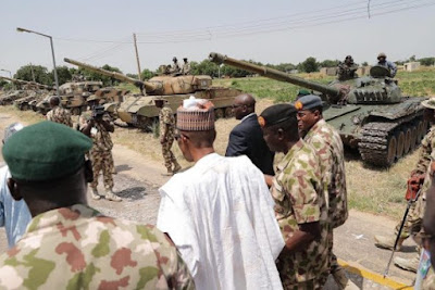 President Buhari visits Soldiers in Borno2 - 9JA NEWS: #NigeriaAt57.... President Buhari is spending Independence Day with Troops in Borno(Photos)