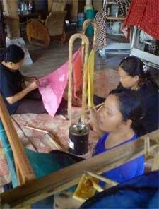 pelatihan batik pemerintah papua