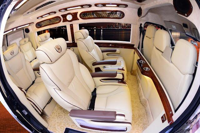 Dịch vụ hợp đồng tham quan du lịch trong và ngoài Vũng Tàu bằng xe Limousine VIP