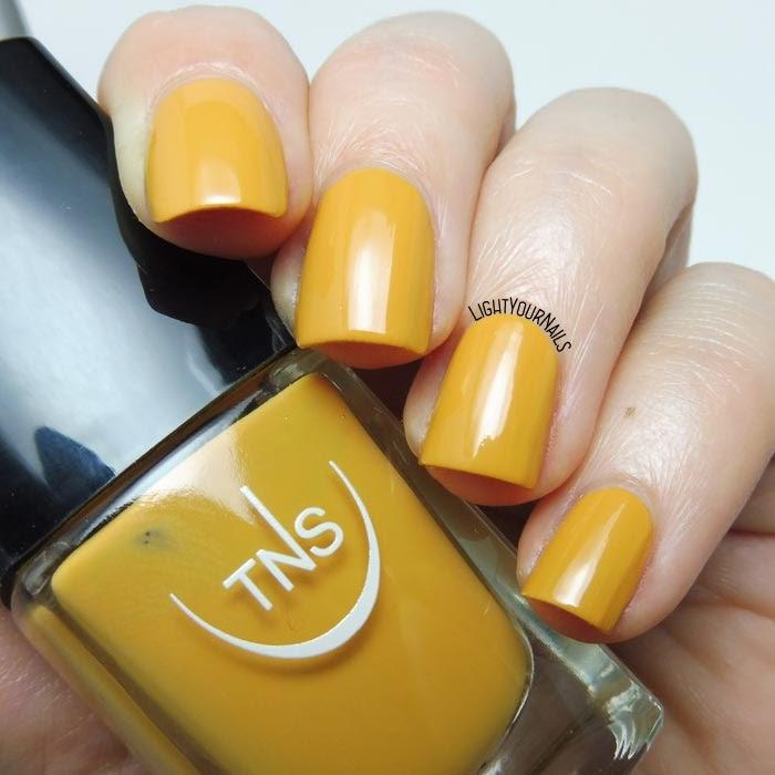 Smalto giallo ambra TNS Cosmetics Firenze 554 Atena (Divina Terra) amber yellow nail polish #unghie #tnsfirenze #tnscosmetics #nails #lightyournails