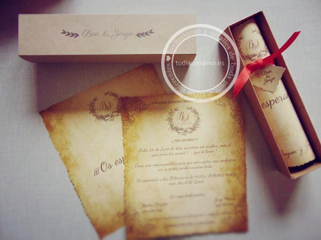 Bonitas invitaciones de boda diseñadas a medida estilo pergamino vintage
