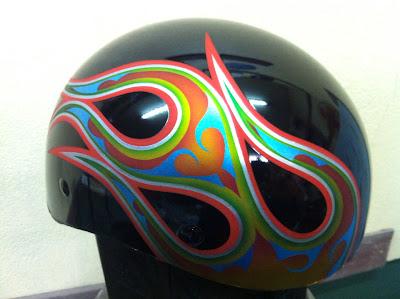 1343031560 - カスタムペイント工程  ダックテールヘルメット 奈良フレイムス