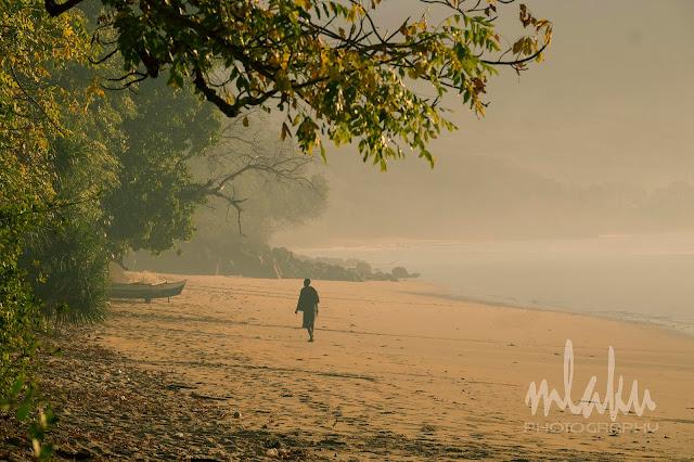 Pagi melintas di Pantai Oa