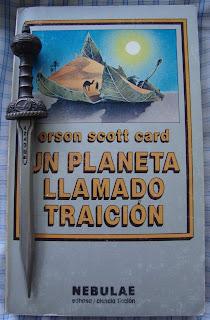 Portada del libro Un planeta llamado Traición, de Orson Scott Card