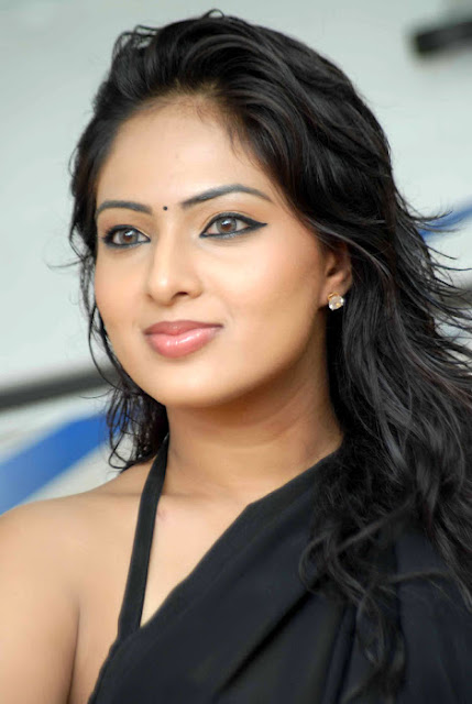 nikisha wallpapers in black saree