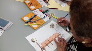 Usuaris d'Aviparc dibuixant