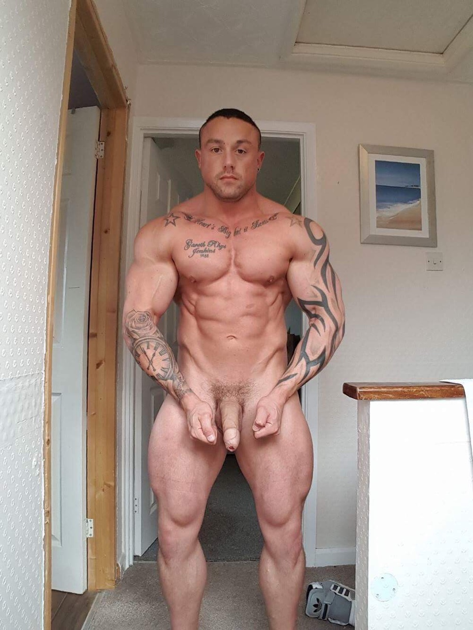 Naked Amateur Guys Hung Uncut Bodybuilder Shows Off Naked-2523