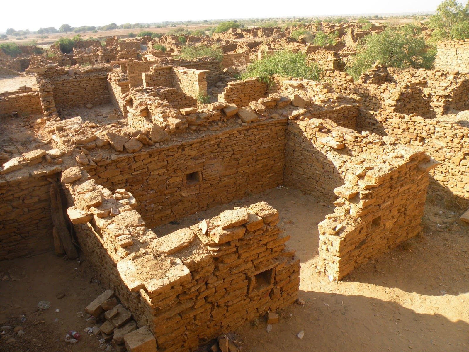 Abandoned hamlet inward Rajasthan close Jaisalmer India travel destinations: Kuldhara: The Village That was Abandoned Overnight.
