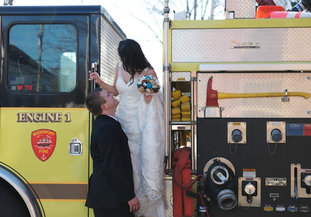 Firetruck wedding picture