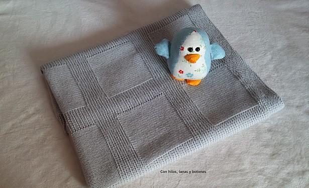 Manta de punto para bebé paso a paso | Con hilos, lanas y botones