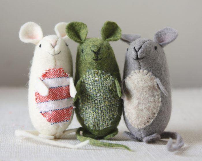 11 Diy Mouse Tutorials And Patterns Heather Handmade
