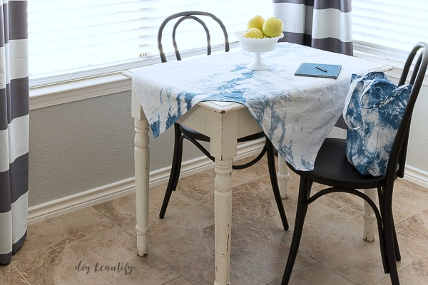 easy Shibori tablecloth