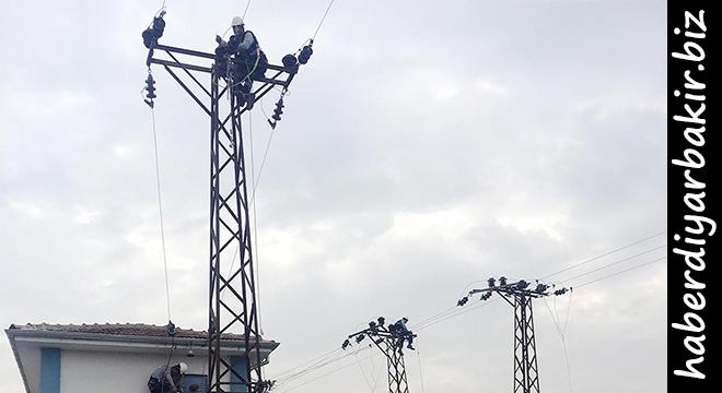 DEDAŞ, Diyarbakır'da trafo bakımları yapıyor