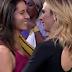Tatá Werneck beija namorada de Fábio Porchat em programa de TV, assista