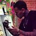 Chris Brown divulga foto de novo quadro que pintou e revela desejo de fazer sua própria exibição de arte
