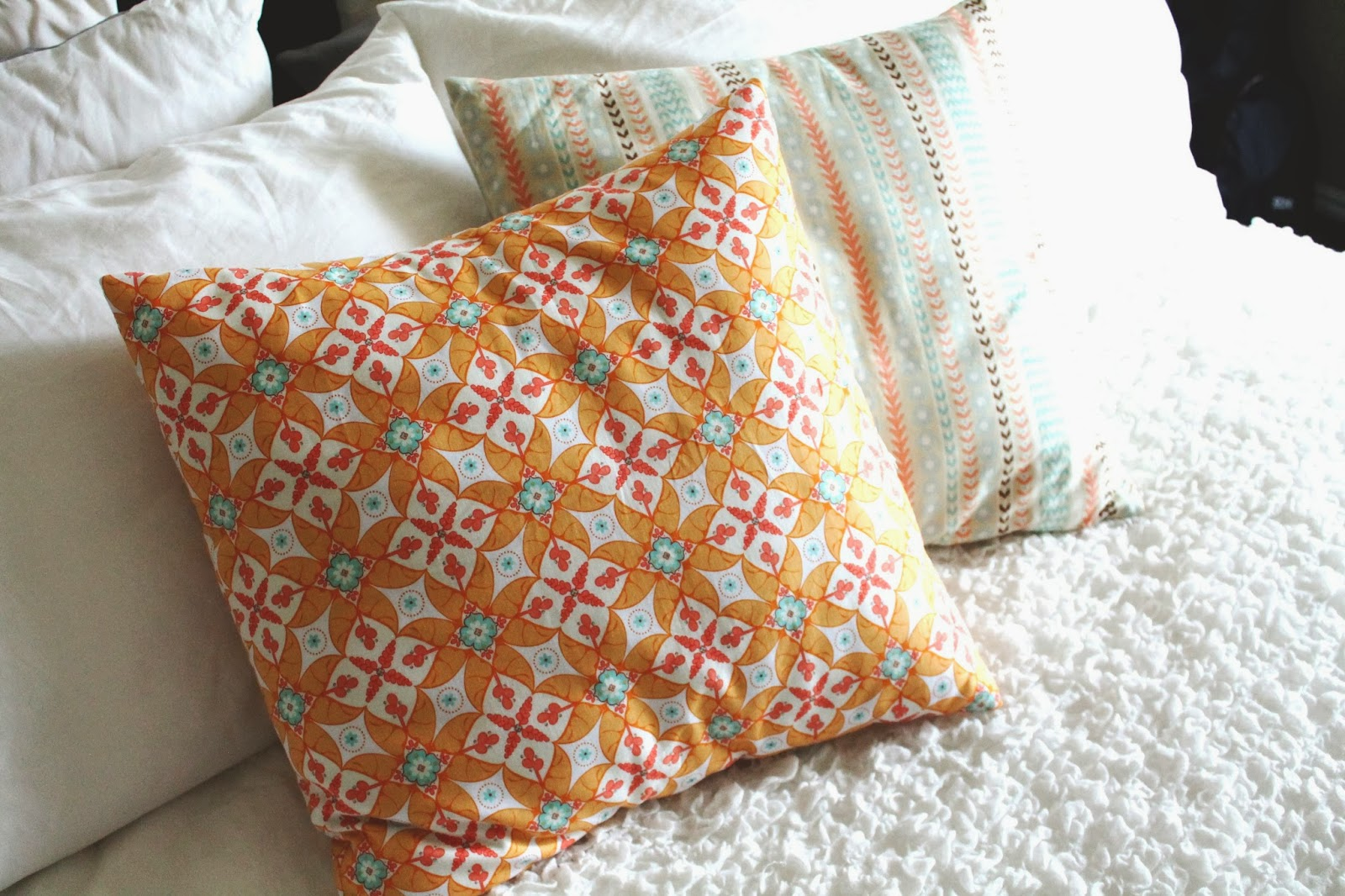 Envelope Pillow Tutorial - Find it, Make it, Love it