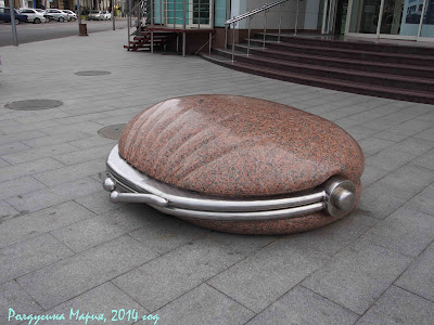 Краснодар фото памятник кошельку