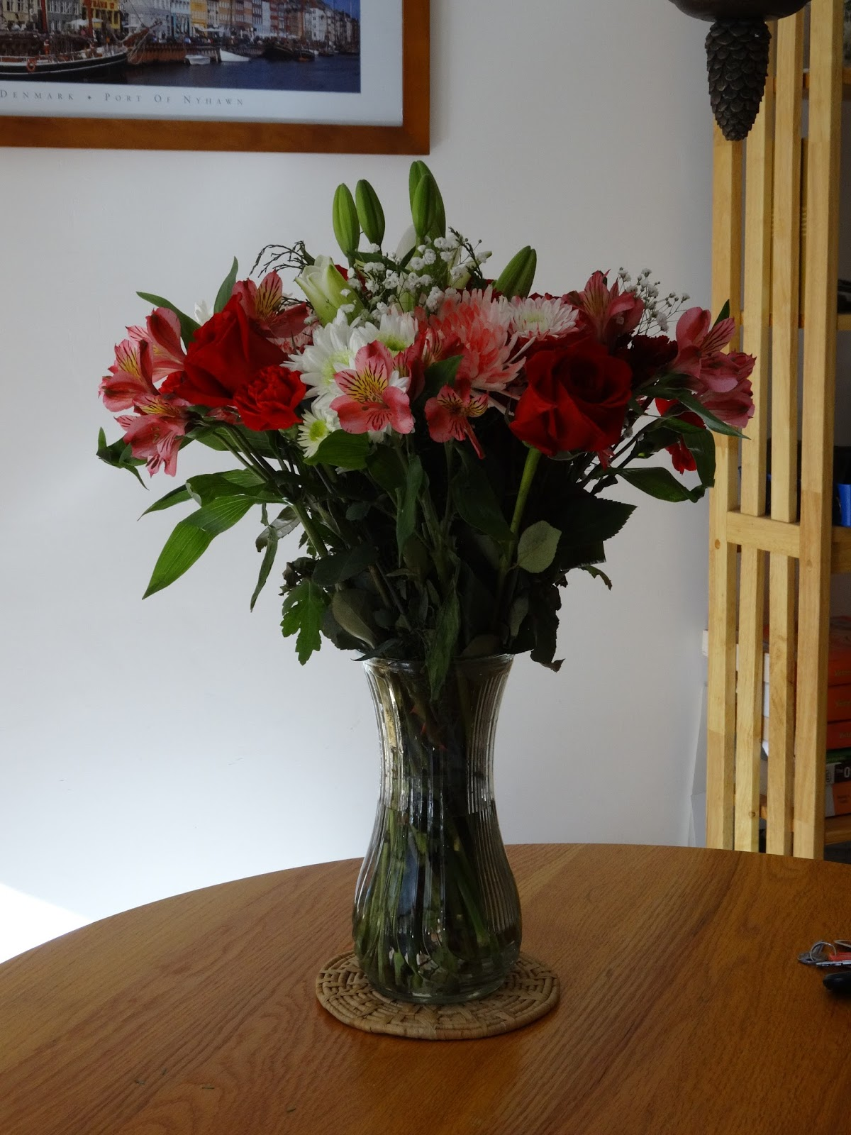 Debbie this and that keeping flower arrangements fresh and the flowers we are looking at today began as a tall arrangement in the vase you see in this image to let you know how long lasting arrangements can be reviewsmspy