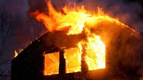 Teljes terjedelmében égett egy faszerkezetű melléképület Uraiújfaluban