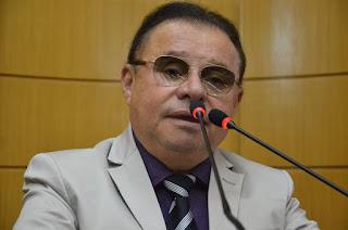 Gilmar apresenta projeto que resolverá situação dos servidores do FHS