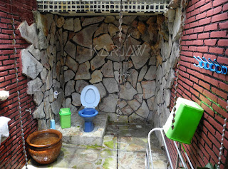 omah alchy karimunjawa toilet
