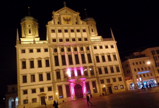 Rathaus-Puff soll Augsburgs Armut beheben
