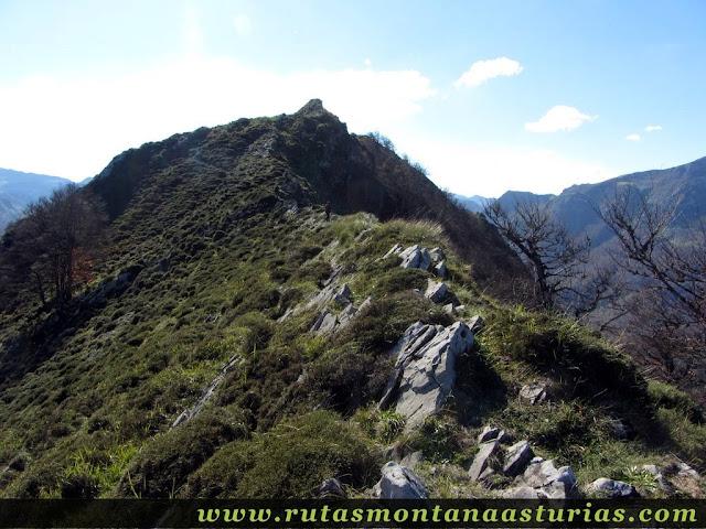Ruta Víboli Peña Subes y Sen Mulos: Arista cerca de Sen de los Mulos
