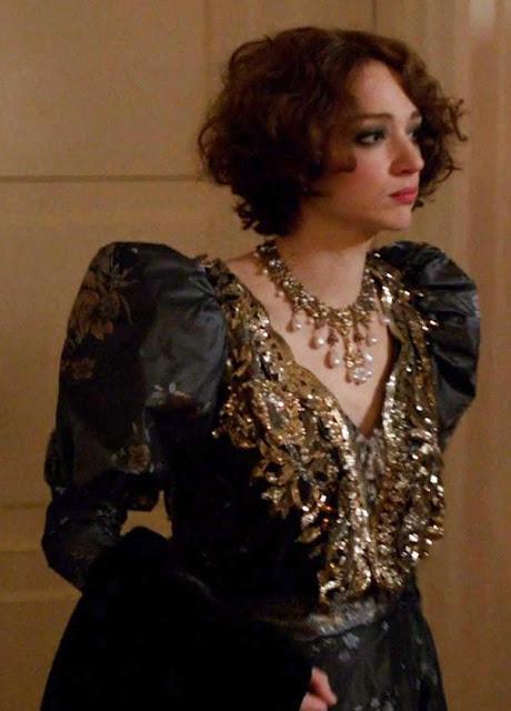 Houdini, minissérie figurino, vestido com brilho preto da Bess (Kristen Connolly)