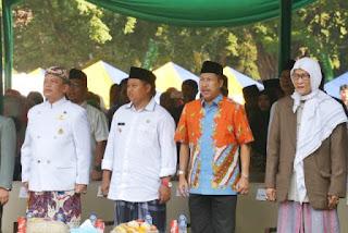 Pj Wali Kota Cirebon, Dr. H. Dedi Taufik, M.Si, saat Opening Ceremony Festival Tajug dalam Rangka Hari Santri Nasional Tahun 2018