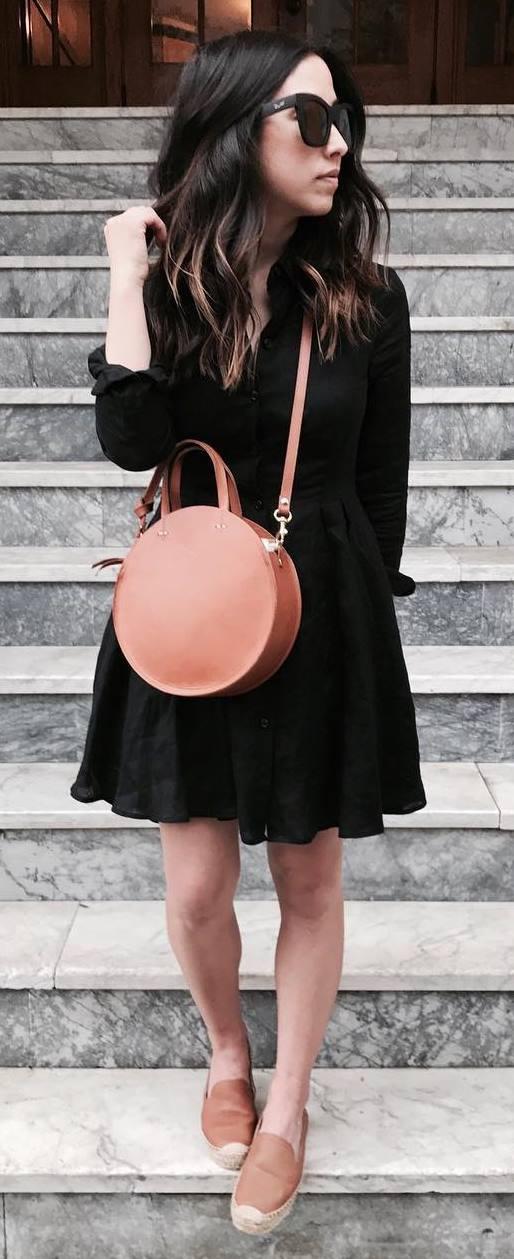 perfect outift idea: bag + black dress
