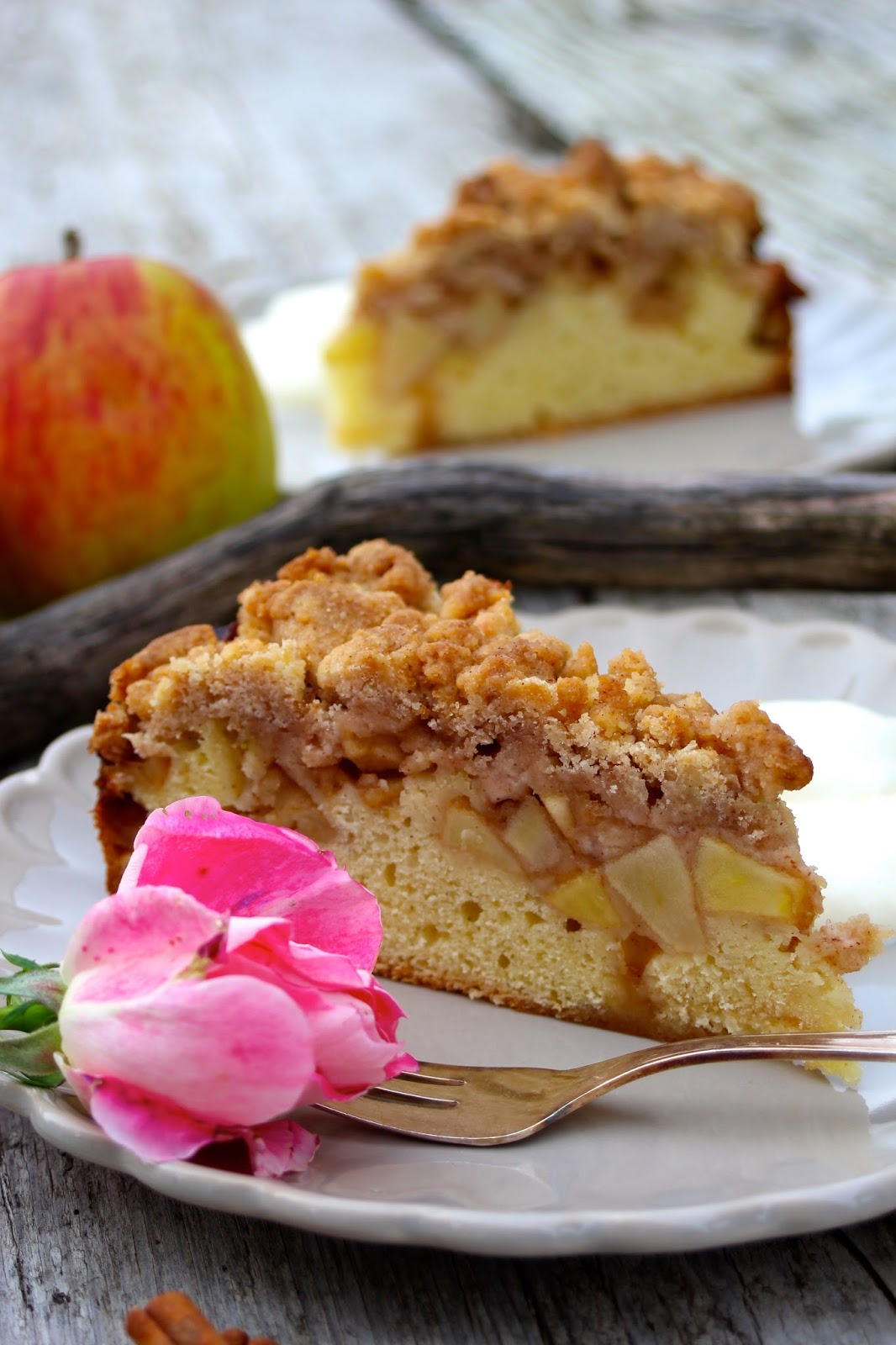 Fruchtig-zimtiger-Apfel-Streuselkuchen
