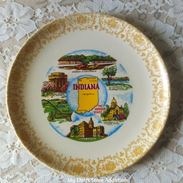 vintage souvenir Indiana state plate