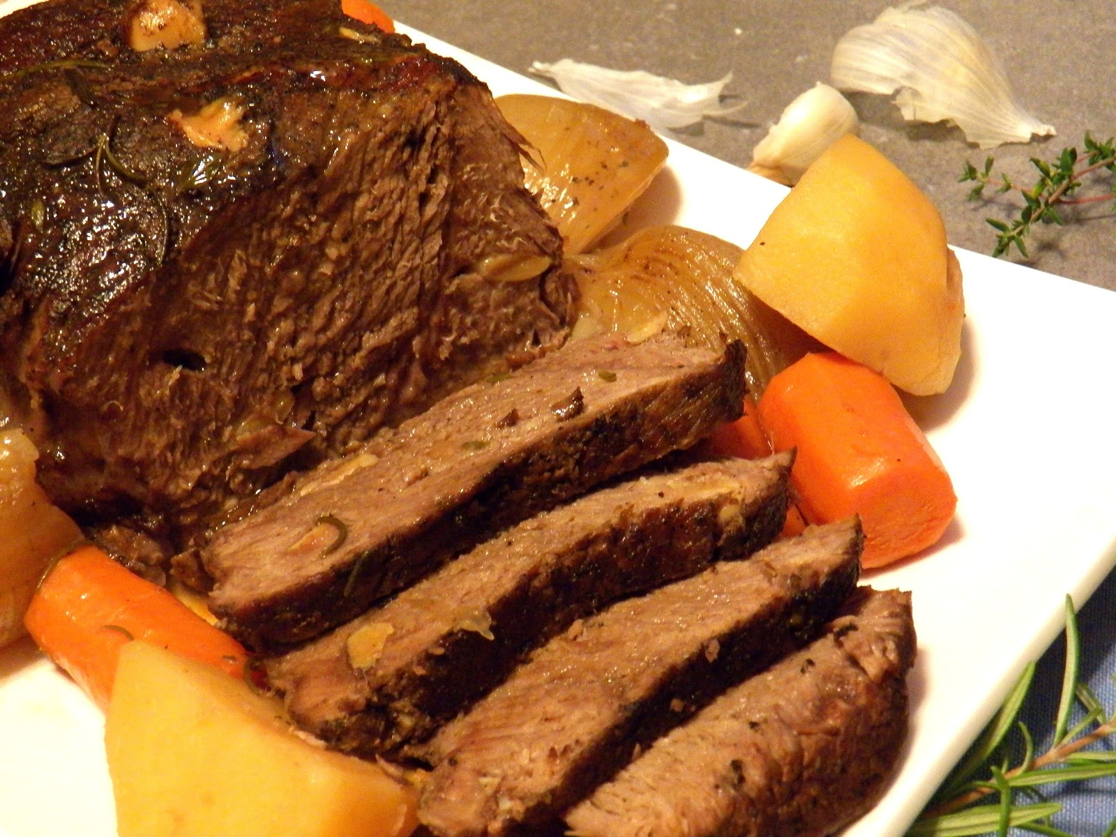 GARLICKY POT ROAST AND $30 ECARD GIVEAWAY (WINNER ...