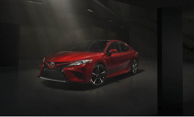 2018 Toyota Camry Hybrid Price