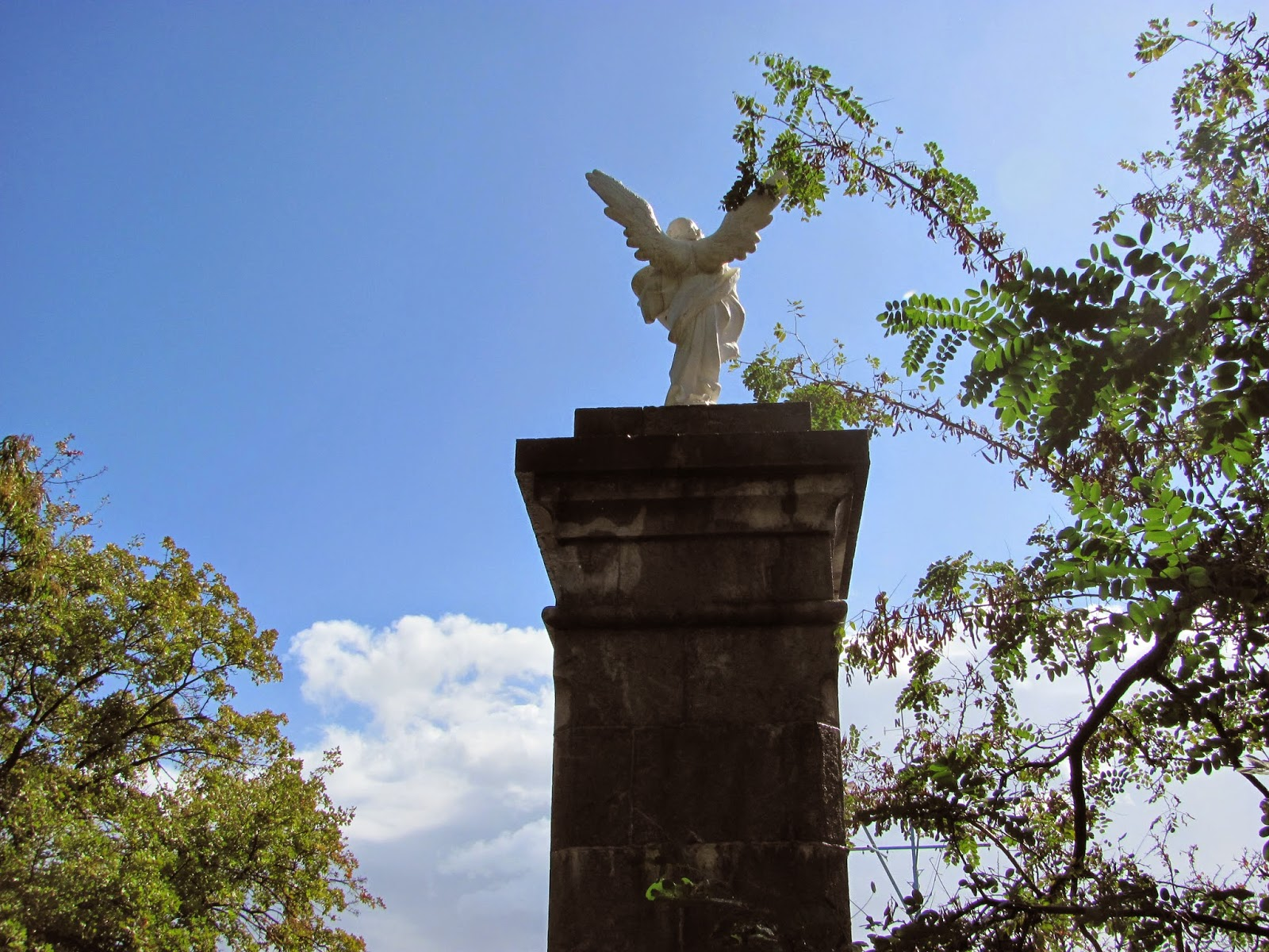 Скульптура Ники в Артеке