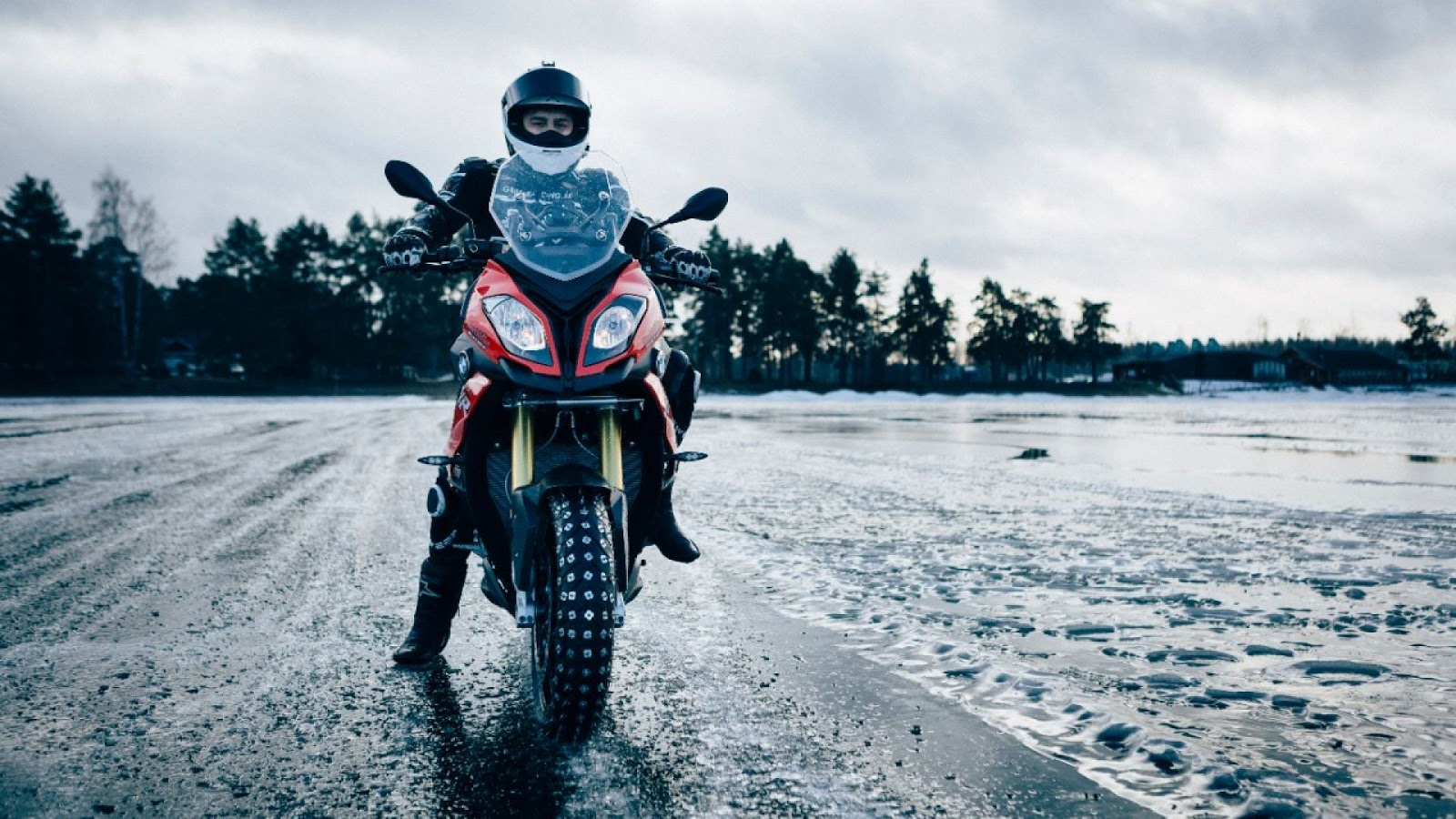 Motorcycle Trip Planning: BMW MOTORRAD CHRISTMAS GIFT GUIDE